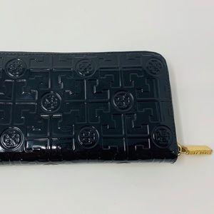 Tory Burch Black Patent Leather Zipper Wallet